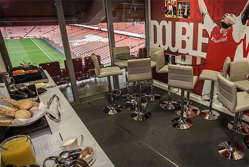 Football - Arsenal 2020 - The Champions Club Box